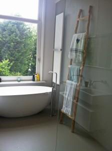 Badkamer eerste verdieping met design radiator