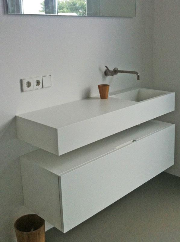 Badkamer Ideeen Zwart Wit ~ Pin Wastafel Voorbeeld 1 ? Rolstoeltoegankelijkheidnl on Pinterest