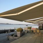 Schuifpuien met in boeideel geïntegreerd zonnescherm en een prachtig uitzicht